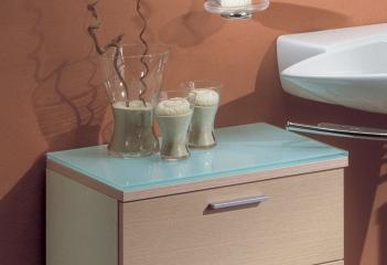 Mobile bagno con ante a telaio in alluminio vetro e faggio for Specchio bagno profilo alluminio