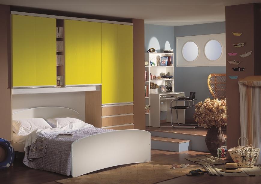 Letto Matrimoniale Giallo : Camera a ponte faggio giallo limone benigni mobili