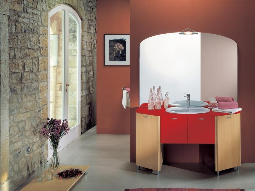 Mobile bagno in faggio rosso benigni mobili for Bagno rosso