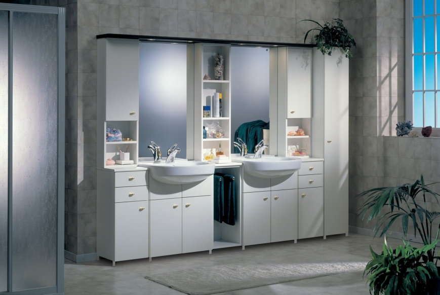 Mobile bagno con doppio lavello in bianco su bianco benigni mobili for Mobili bagno con due lavabi